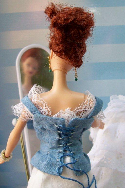 dama pews ogledalom br 1